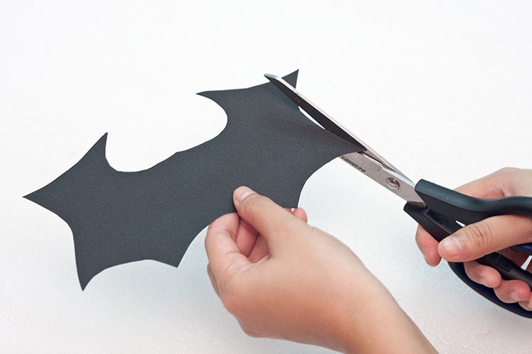 Halloween Trick Or Treat Basket - Step 4 - Create The Outer Bat Wing