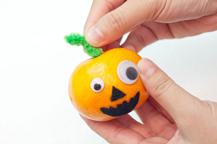 Healthy Snack Alternatives For Halloween - Step 6 - Add The Stem